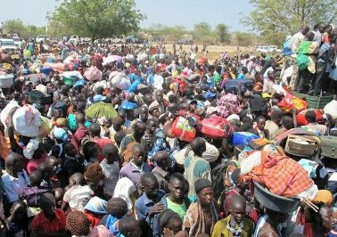 Thousands of civilians fleeing violence seek shelter at a UN compound in Jonglei state capita Bor (Photo: UNMISS/Hailemichael Gebrekrstos)