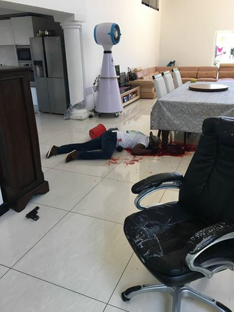 house robbery Rabin said three thugs robbed his wife last saturday in broad daylight thankfully , she was unharmed and all they wanted was her iphone 5s.
