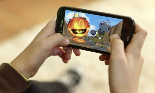 Reasons For Growth Of Mobile Phone Gaming and Betting