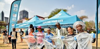 Seen here:  Proud Johannesburg residents do their part in keeping Jozi clean at the 'Joburg City Clean-Up' in 2017 in the build up to the FNB Joburg 10K CITYRUN.  Photo Credit:  Kyle Cestari