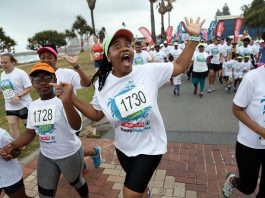 With the emphasis on having a good time, the runners got into the swing of things when the SPAR Daily Dispatch Summer Fun Run was held in East London on Sunday. With distances of 8km and 4km, the event drew entries of about 2 500. Picture: Mark Andrews