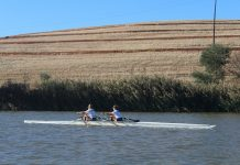 Lauren Soll of Wits (front) and Alex Ennis of Madibaz compete for the Grudge team in the University Sport South Africa rowing sprints competition at Misverstand Dam near Porterville in the Western Cape this month. Photo: Supplied