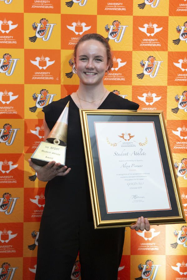 Squash star Alexa Pienaar was named the University of Johannesburg Student-athlete of the Year at the annual sports awards gala function this month. She was also the silver medallist in the Sportswoman of the Year category. Photo: University of Johannesburg