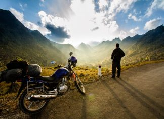 10 Reasons to Travel on a Motorbike