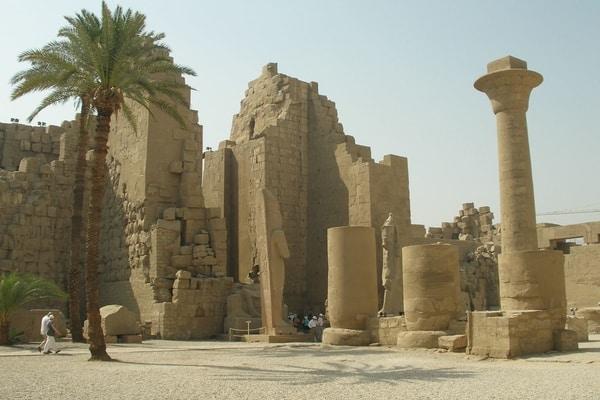 Egypt Karnak sanctuaries.jpg