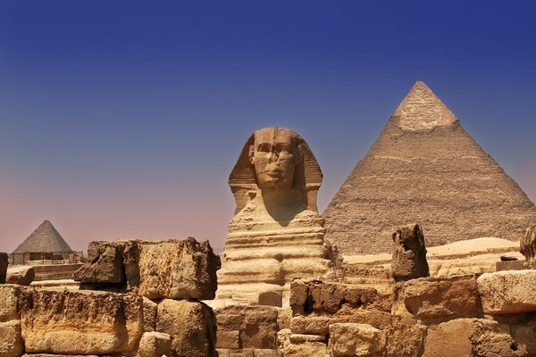 The pyramids of Giza and the Sphinx.jpg