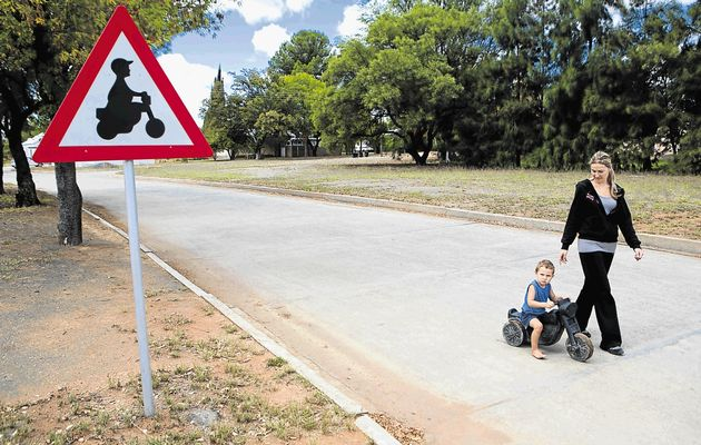 Orania - Only white people who define themselves as Afrikaners are eligible for residency and employment in the town