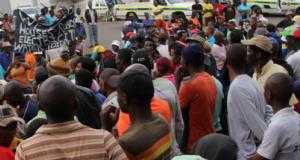 Residents of Tekwane North ptotest, they protested for a new school