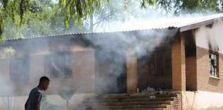 Burning-school-in-Vuwani-protest