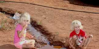 Children-in-a-white-squatter-camp-in-South-Africa