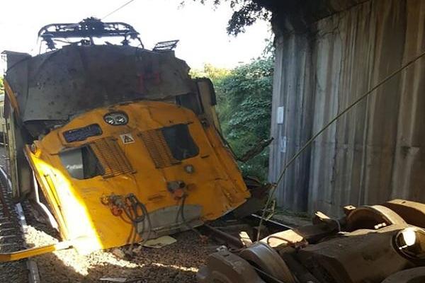 131 injured in lamontville head on train crash south. Black Bedroom Furniture Sets. Home Design Ideas