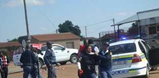 Protests-continue-in-Mabopane-near-Pretoria