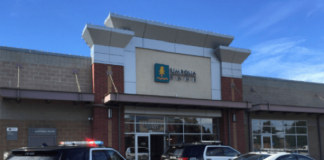 Lynnwood-police-are-investigating-a-bank-robbery-at-the-Umpqua-Bank
