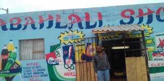 Looting-foreign-shops-in-Port-Elizabeth