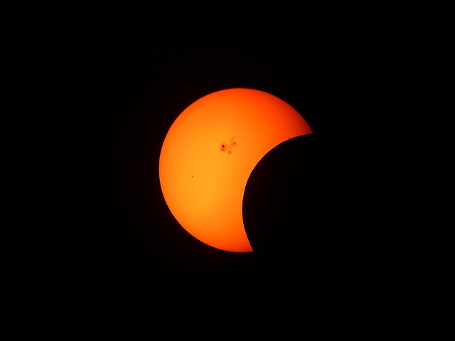 South Africans Warned Not To View Partial Eclipse With
