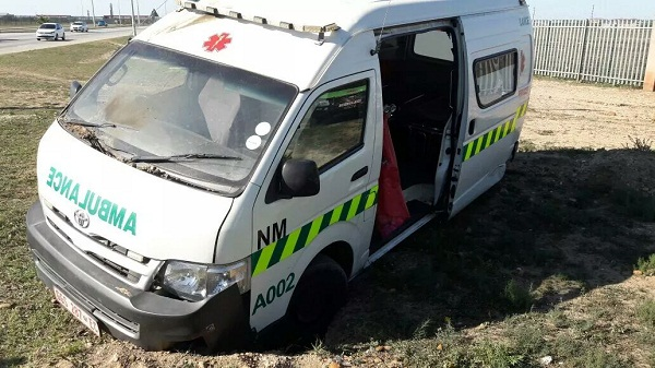 Ambulance-prteol-bombed-in-South-Africa
