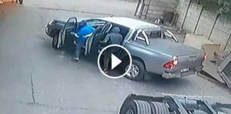 Watch: Man hijacked by three armed suspects. Image: Arrive Alive