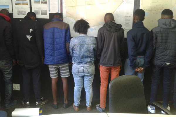 Police chase, 7 arrested for house robbery Photo : SAPS