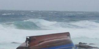 Boat capsizes, St Francis Bay . Photo : SAPS