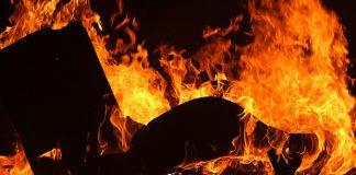 Women (82) burns down three shacks, arrested for murder