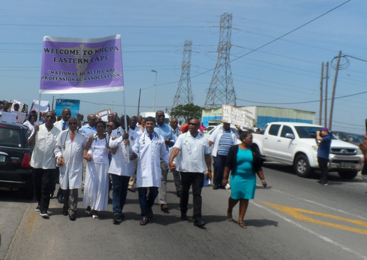 Doctors protest against armed robberies
