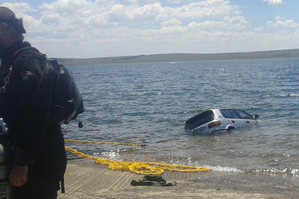 Mom and 3 sons found in submerged vehicle, Sterkfontein resort. Photo: SAPS