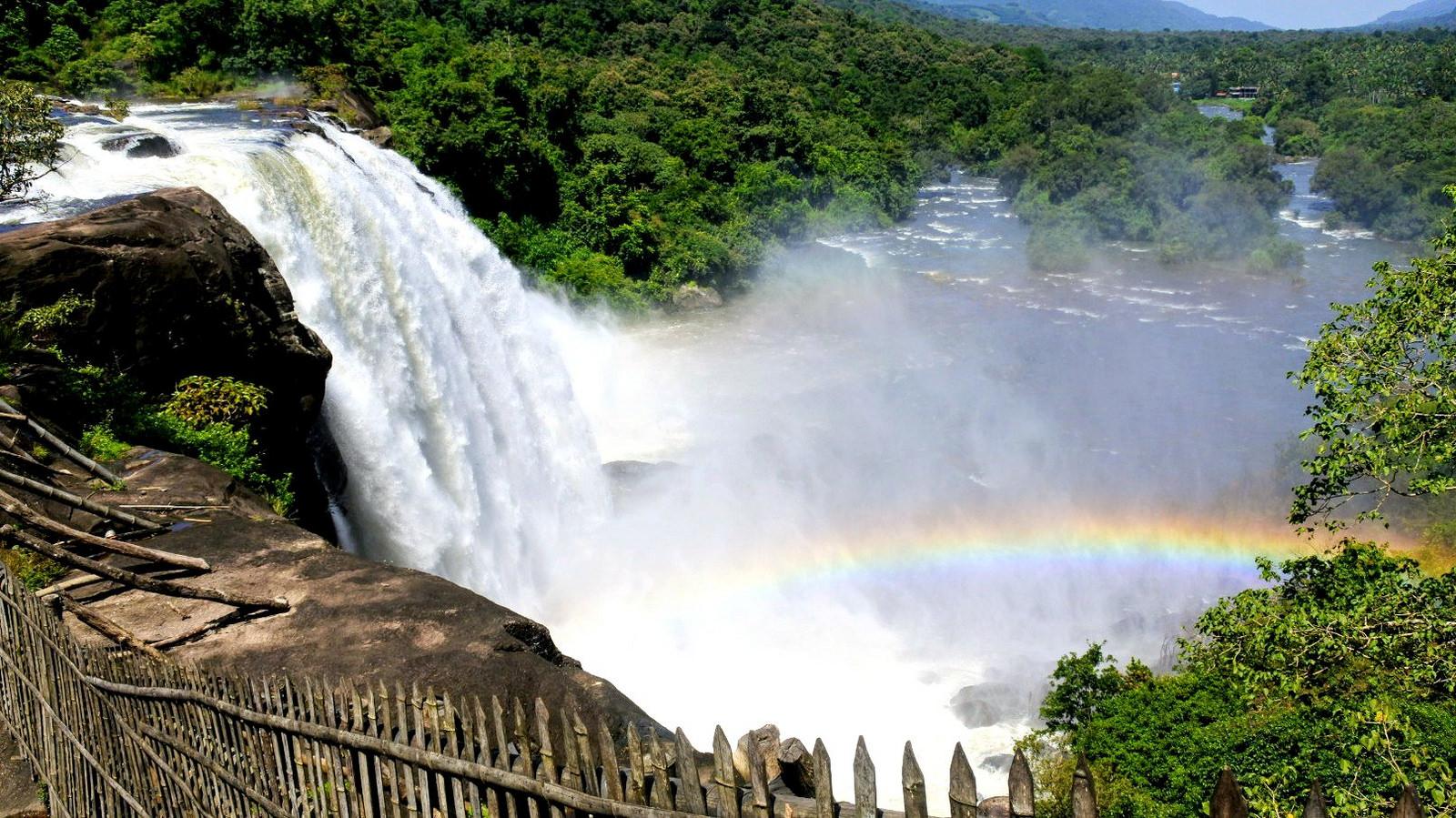 Athirapally waterfalls Kerala.jpg