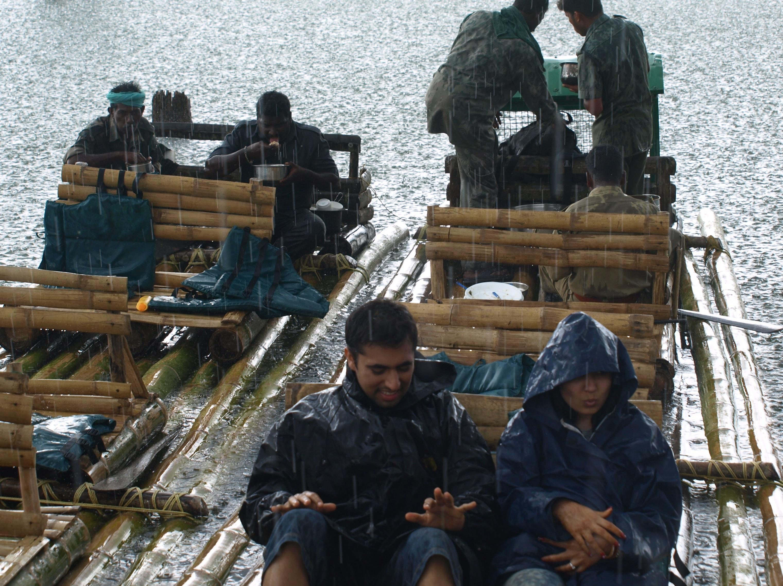 Bamboo Rafting kerala.jpg