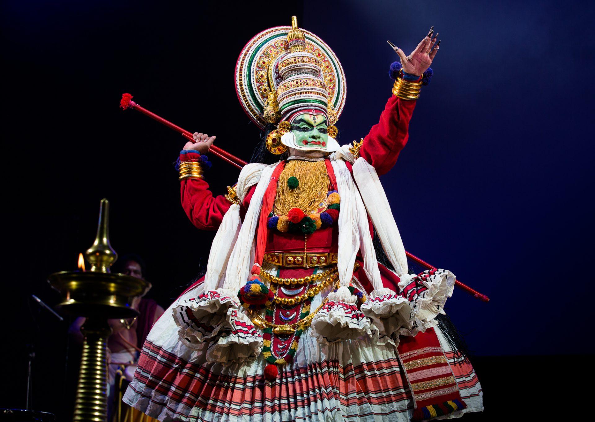 Kathakali Dance Kerala.jpg