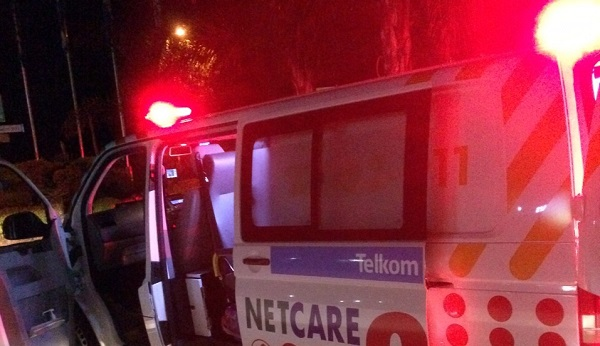 Netcare-ambulance-night