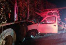 One dead after bakkie crashes into truck, Pietermaritzburg. Photo: Netcare 911