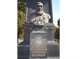 Kruger grave monument vandalised, 'Heroes Acre cemetery', Pretoria. Photo: Die Vryburger