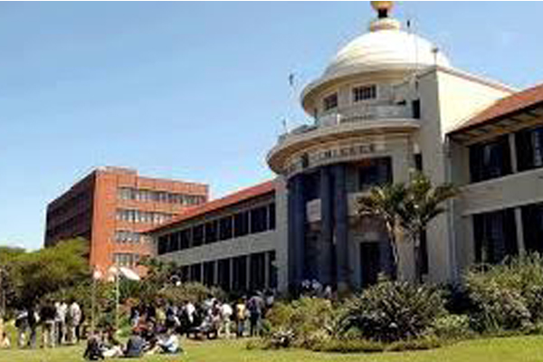 Burning and rioting, Durban Westville university campus closed. Photo: Die Vryburger