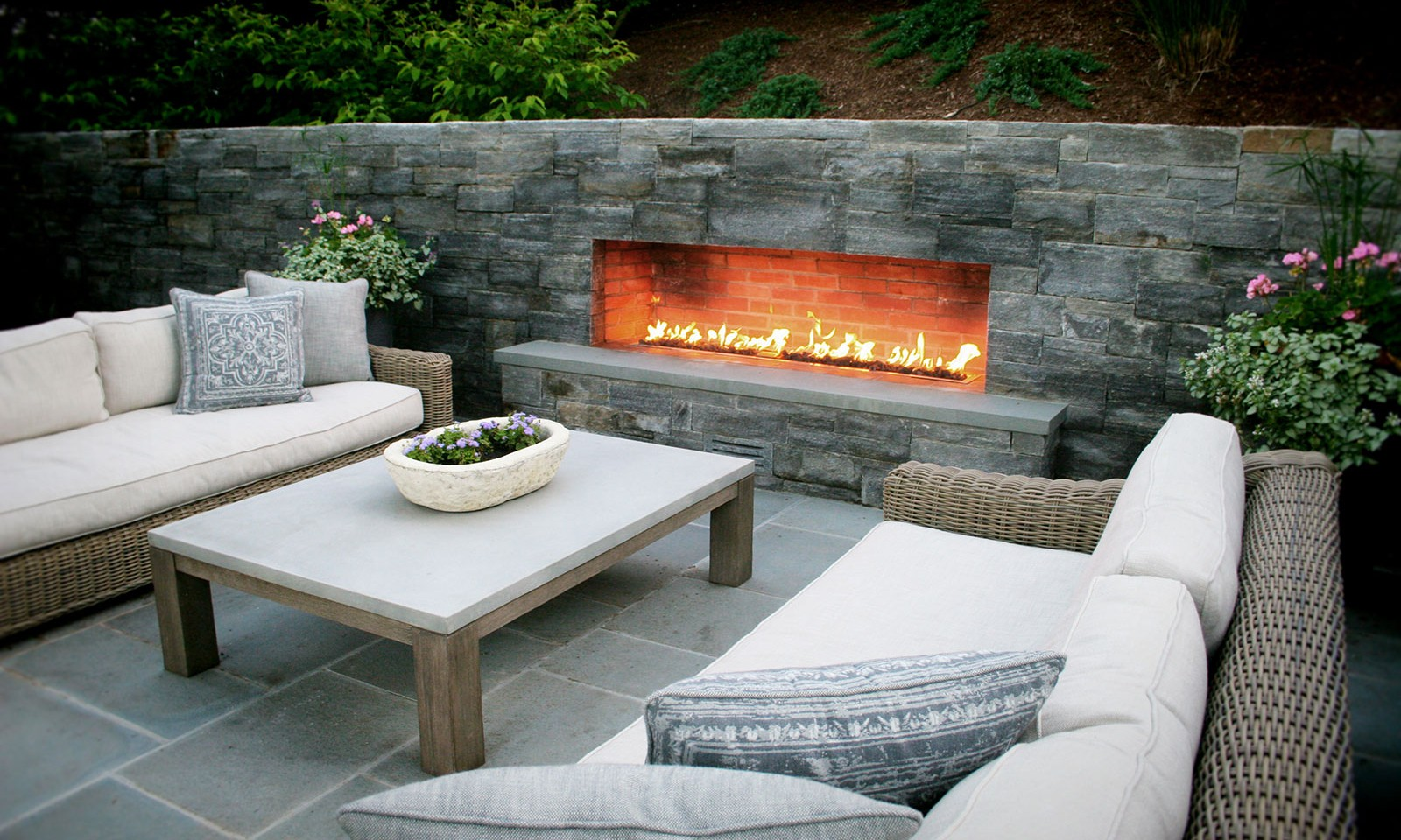 How To Buy The Right Outdoor Fireplace Tips And Tricks