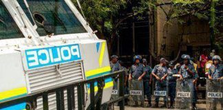 Extreme violence erupts during protests, Brits cluster. Photo: SAPS