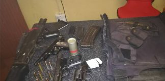 Robbery foiled, 3 arrested with assortment of firearms, Phuthaditjhaba. Photo: SAPS