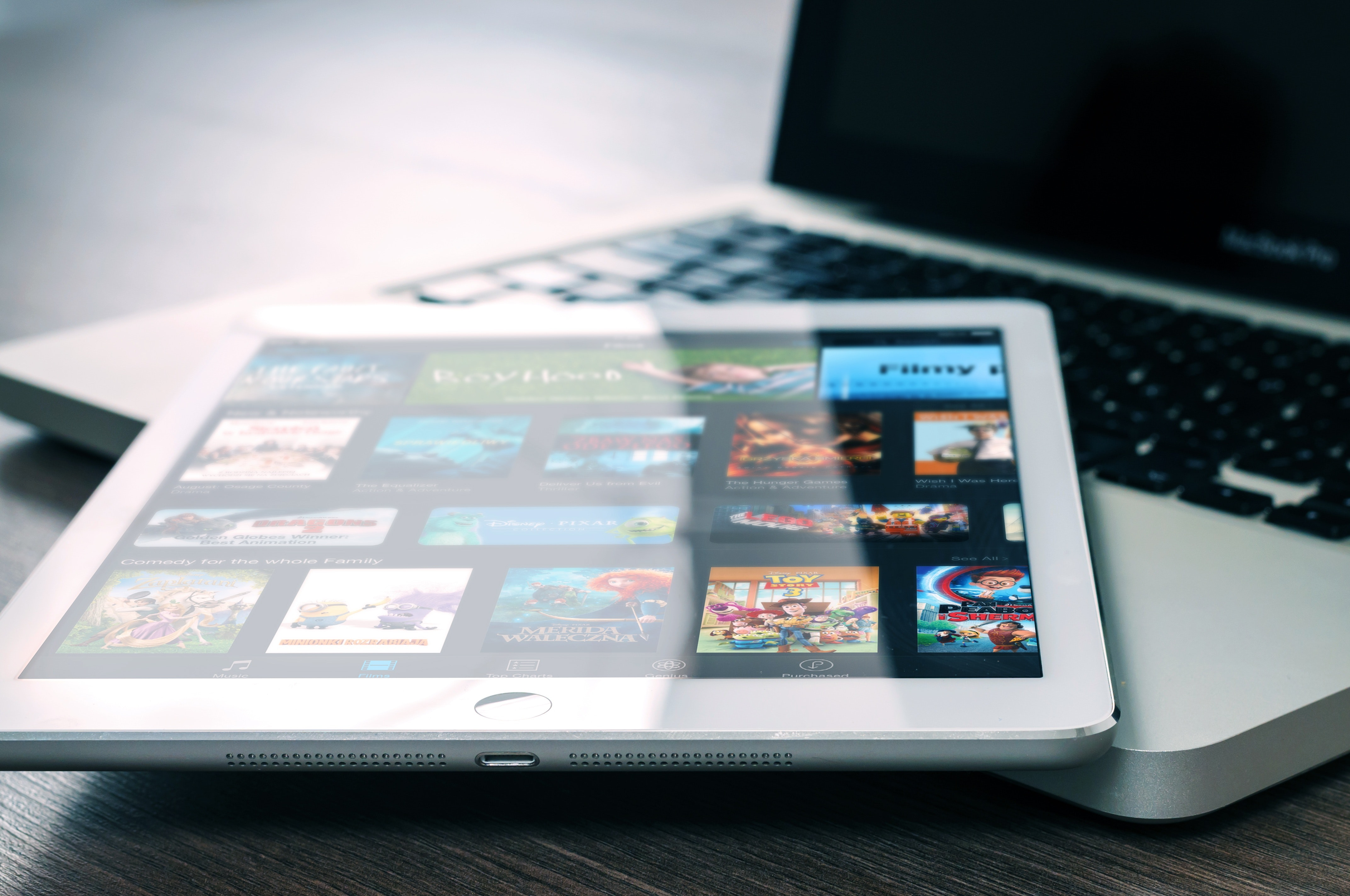 app-entertainment-ipad-265685.jpg