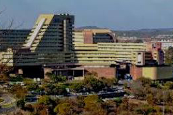 NSRC impractical demands: Unisa campuses close their doors. Photo: Die Vryburger