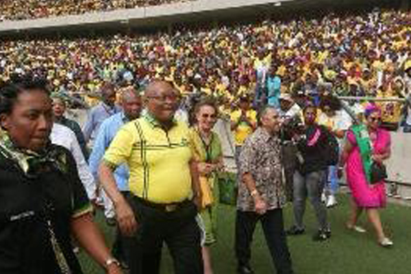85000 people gather: Zuma gets all the support, Ramaphosa looking for votes. Photo: Die Vryburger