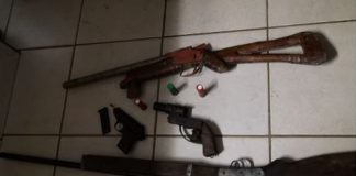 Four men arrested with homemade shotguns and pistol. Photo: SAPS