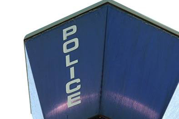 Two policemen wounded, suspect shoots girlfriend then himself, Philippi East