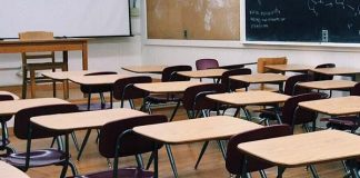 Mother attacks teacher over alleged ill treatment of her child