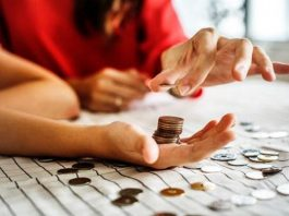 5 Brave Financial Decisions that Single Mothers Have To Make
