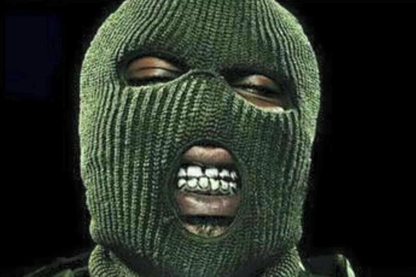 5 Balaclava clad robbers invade two homes, shoot one victim, Nelspruit