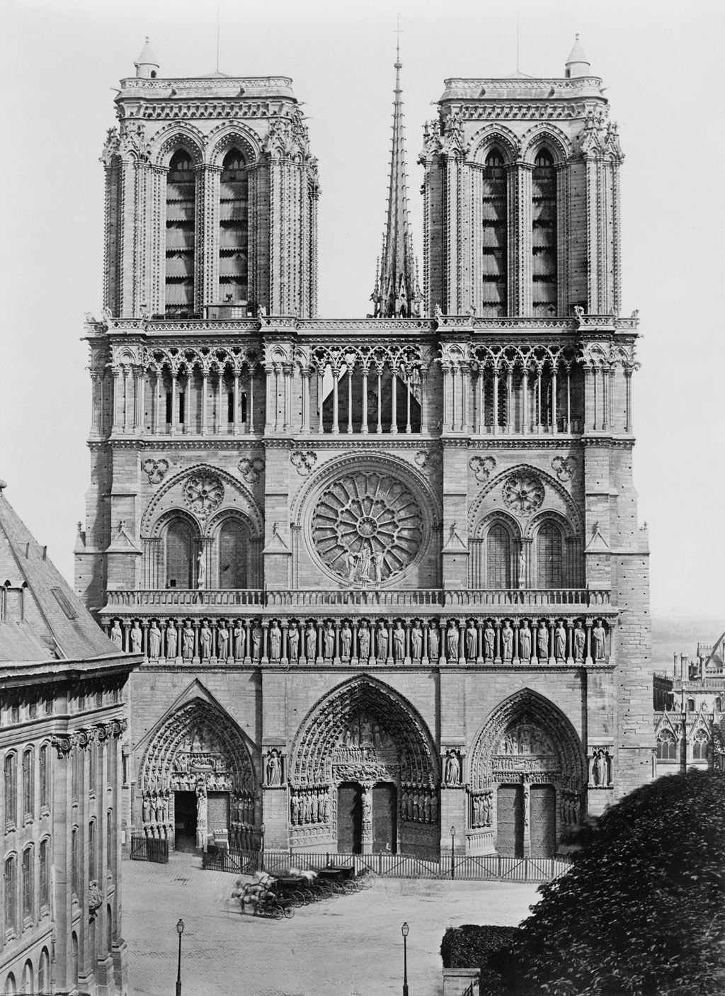 Facade of Notre-Dame de Paris between 1851 and 1870