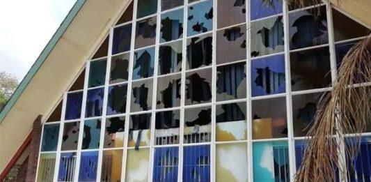 Pretoria protesters loot and damage NG Church. Photo: BKA