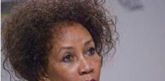 Lindiwe Sisulu and her R500k unpaid water and electricity accounts. Photo: Die Vryburger