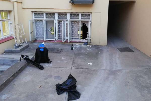 Housebreaker nabbed by off duty police official, Cradock. Photo: SAPS