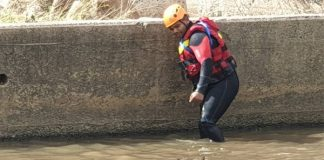 Floods, Durban Search and rescue unit search for missing victim. Photo: SAPS