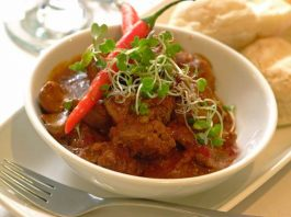 Enjoy the finest authentic Indian curry@Thyme Royal Palm Hotel